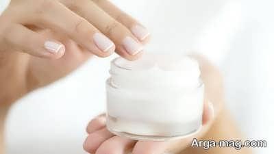 تاثیر استفاده از کرم مرطوب کننده مناسب در سفید کردن ناخن