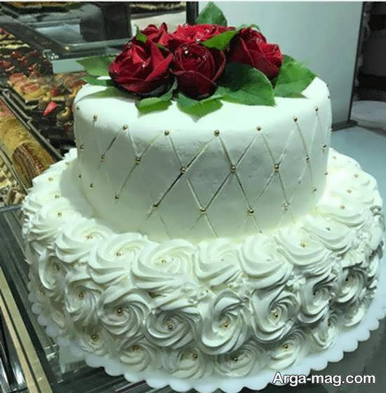 مجموعه ای متفاوت و خاوستنی از کیک عروسی دو ردیفه