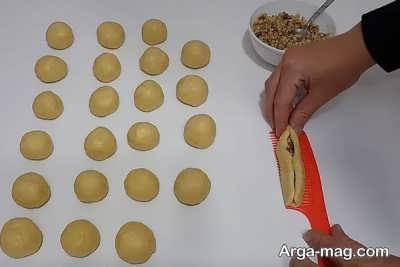 مراحل تهیه خمیر شیرینی تاتلی