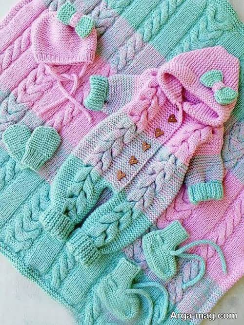 لباس رنگی نوزادی