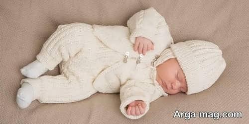 لباس بافتنی ساده مخصوص نوزاد