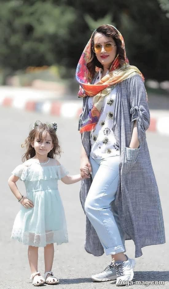 فیگور جدید مادر و دختر در خیابان
