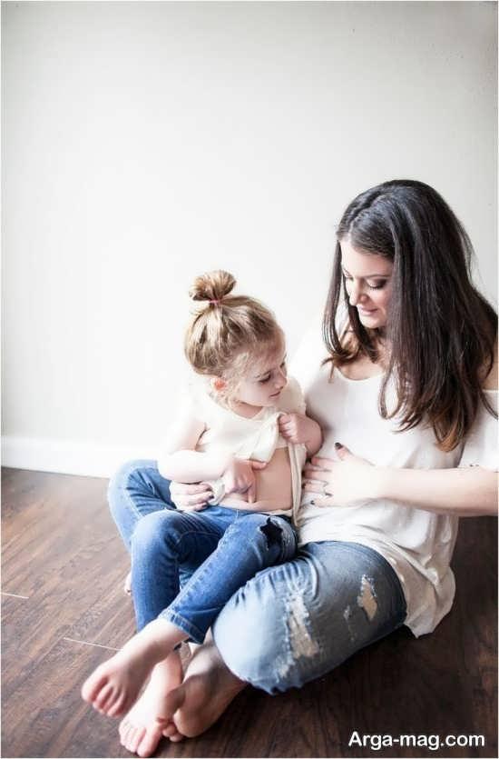 فیگور عکس مادر و دختر در منزل