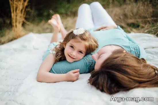 ژست های متنوع و زیبا مادر و دختر