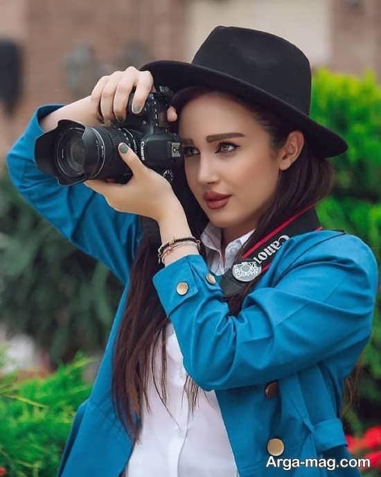 فیگور لاکچری با دوربین عکاسی