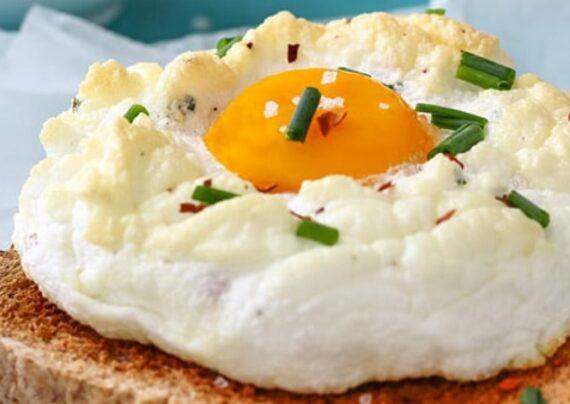 طرز تهیه تخم مرغ کاسه ای