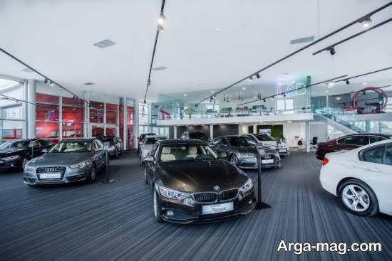 طراحی نمایشگاه اتومبیل با در نظر گرفتن رنگ خودروها