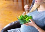 عوارض جانبی خوردن کرفس در بارداری