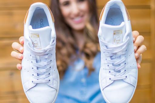 آموزش تمیز کردن کفش سفید