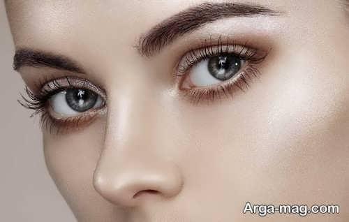 استفاده از هایلایتر برای درشت کردن چشم ها