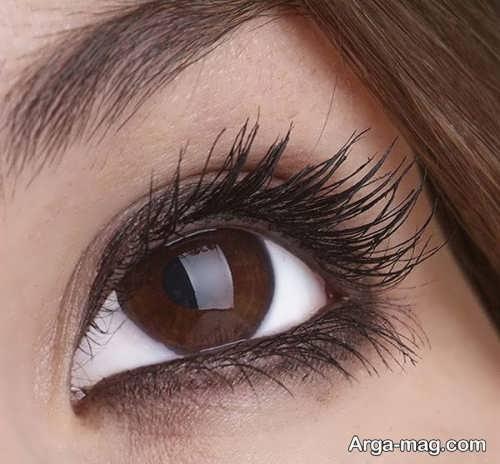 بزرگ نشان دادن چشم ها با آرایش