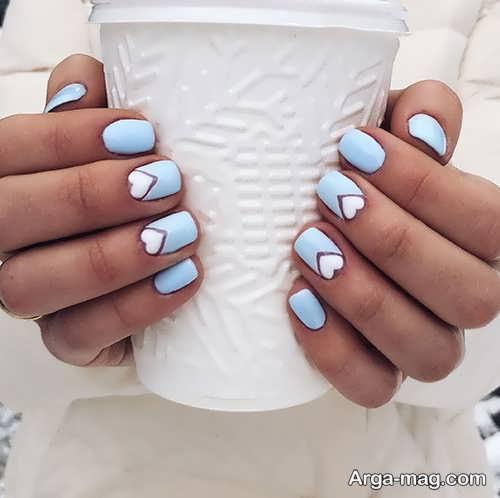 رنگ آبی برای دیزاین ناخن ها