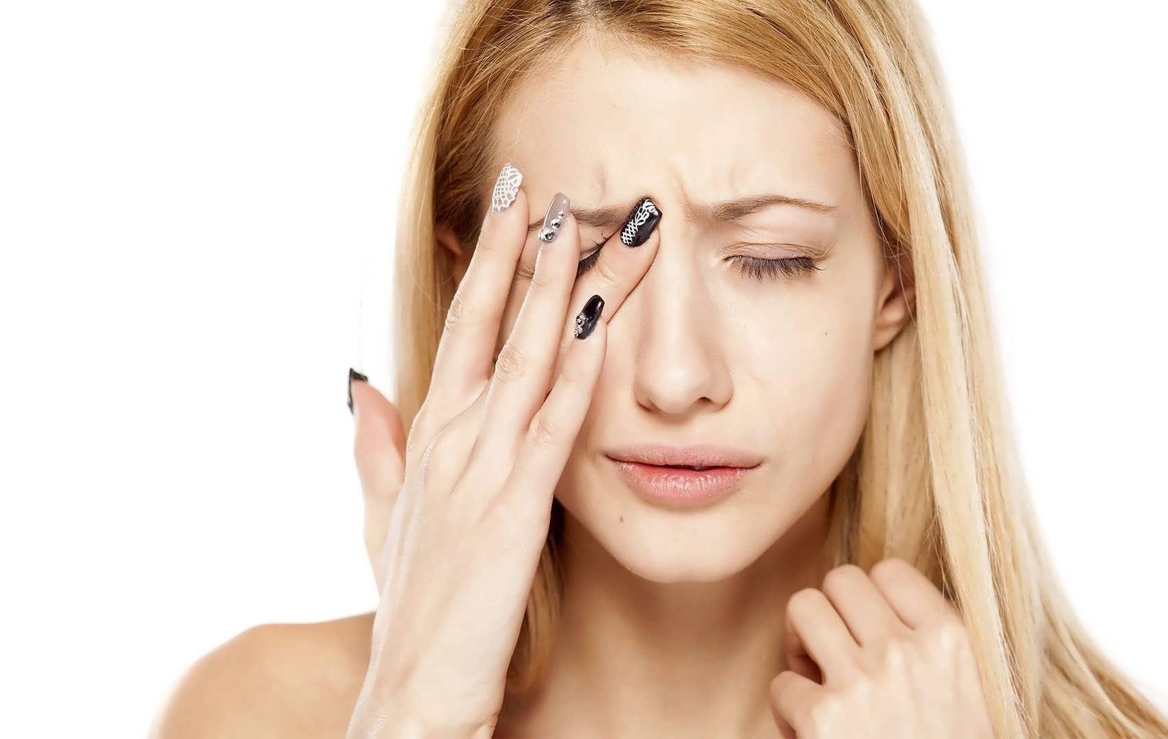 علائم مختلف خستگی چشم