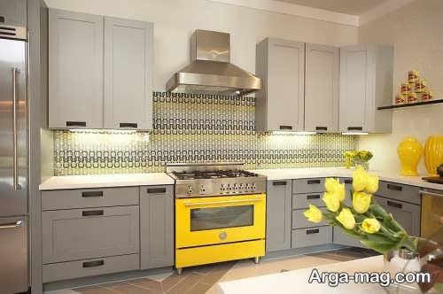 دکوراسیون آشپزخانه زرد و خاکستری