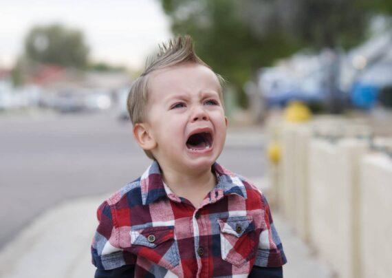 نحوه برخورد با گریه کودکان