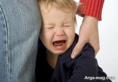 نوع رفتار در برابر گریه کودکان