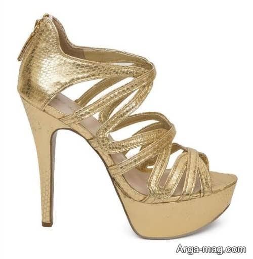 کفش پاشنه بلند طلایی