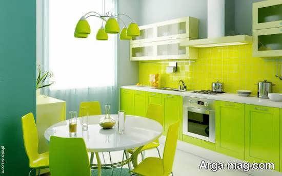 رنگ های زیبای سرد برای کابینت آشپزخانه کوچک