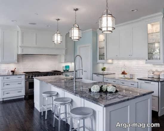 َآنایی با رنگهای شیک و زیبای کابینت آشپزخانه کوچک