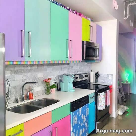انواع نمونه های زیبا و دوست داشتنی ازرنگ جهت کابینت آشپزخانه کوچک