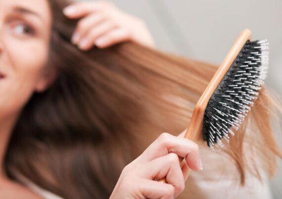 آشنایی با علل ریزش مو بعد از زایمان