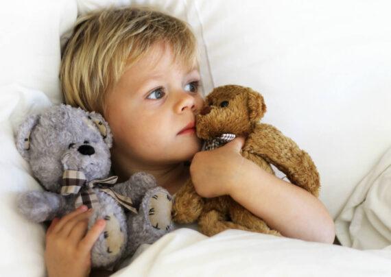 آشنایی با نحوه درمان حالت تهوع کودک