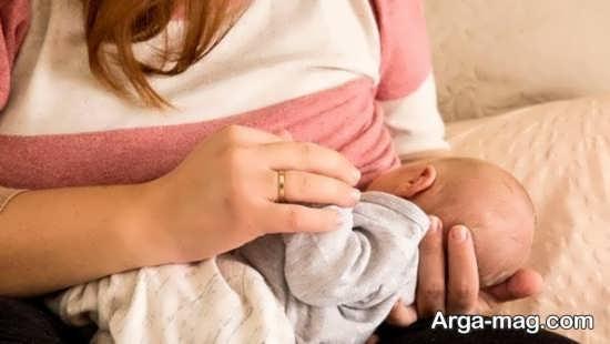 علل درخواست مکرر شیر خوردن نوزاد