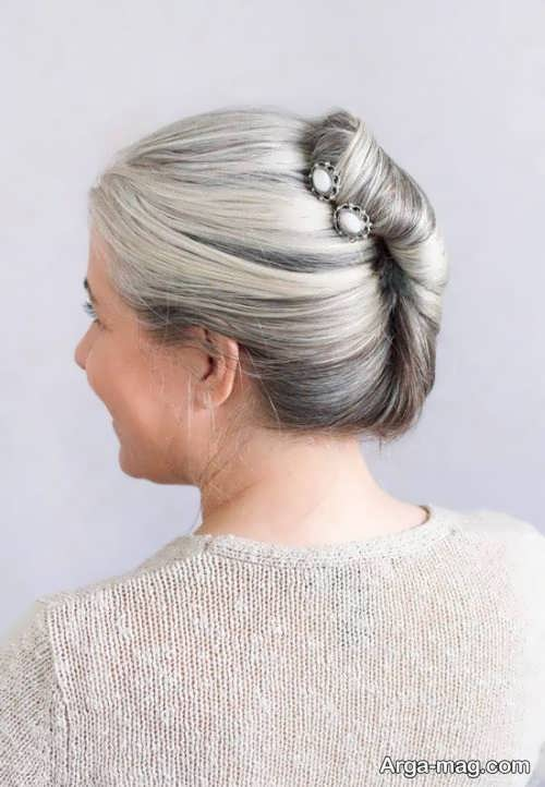 مدل شینیون موی بسته خاکستری