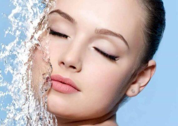بهترین روش شستن صورت برای خانم ها و آقایان