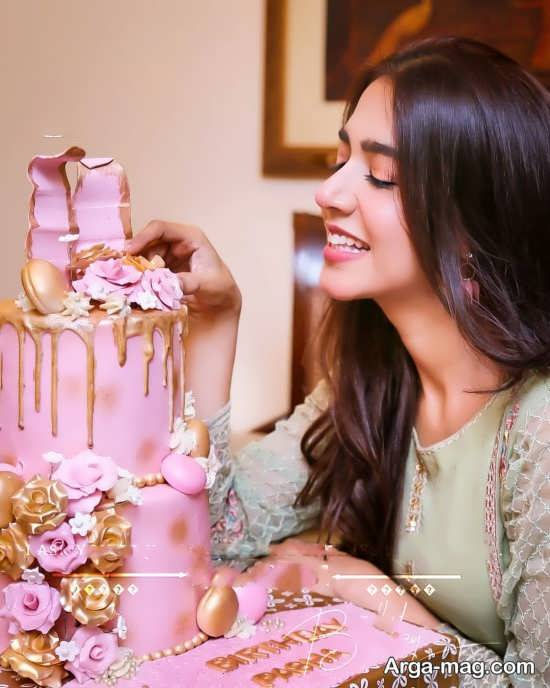 ژست های متنوع با کیک تولد