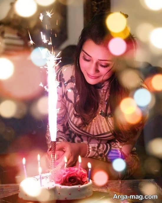 فیگور زیبا دخترانه با کیک تولد