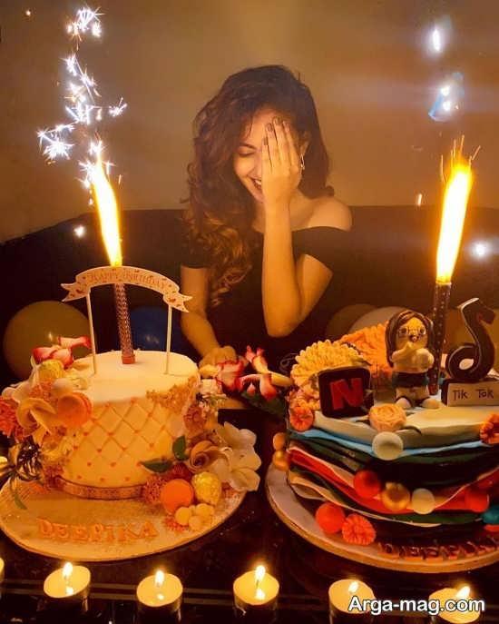 ژست تک نفره با کیک تولد