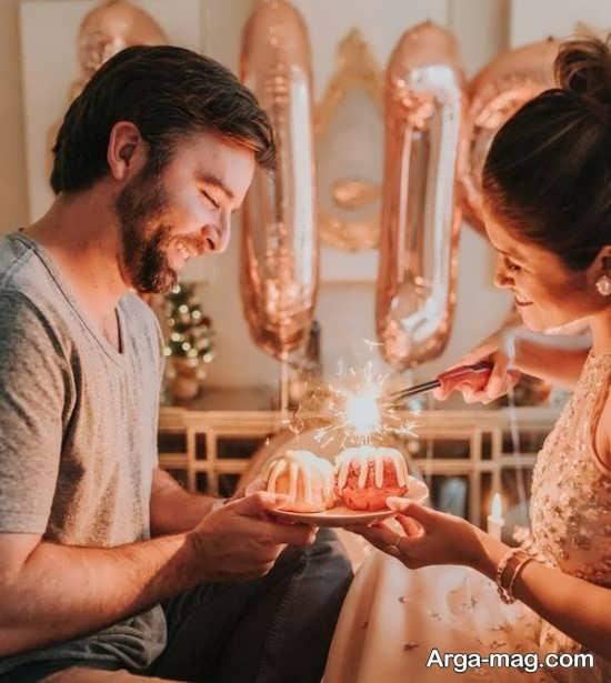 ژست عکس دونفره با کیک تولد