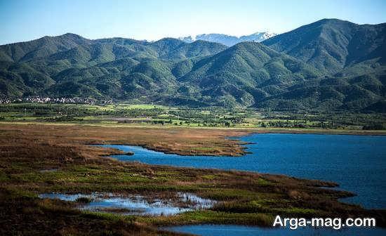 آشنایی با مکان های دیدنی زیبا و چشمگیر دریاچه زریبار