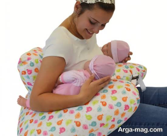 بررسی شیر دادن به نوزادان چند قلو
