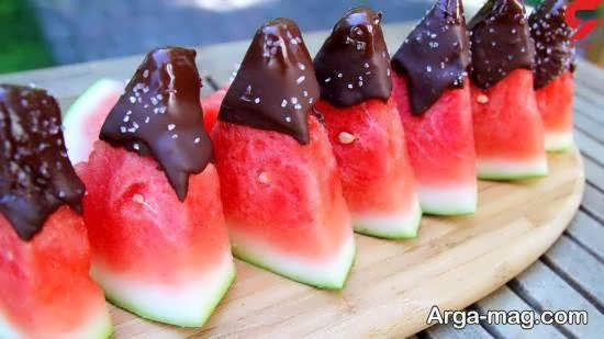 ایده های شیک و مجلسی تزیین میوه با شکلات
