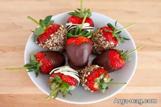 مجموعه ای اشتها برانگیز از تزیینات میوه با شکلات