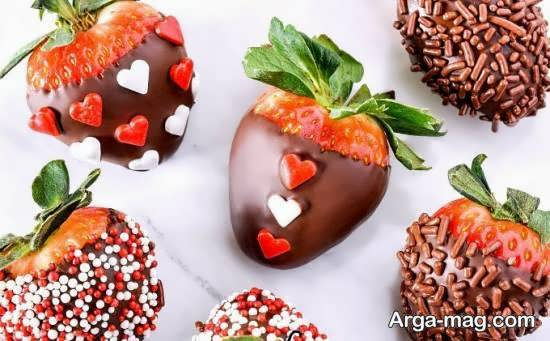 گالری شیکی از تزیین میوه با شکلات