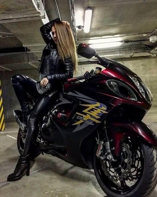 تصویر دخترانه موتور سواری