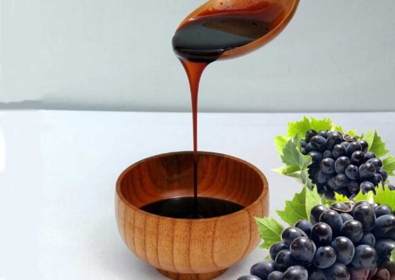 آشنایی با فواید شیره انگور برای کودکان