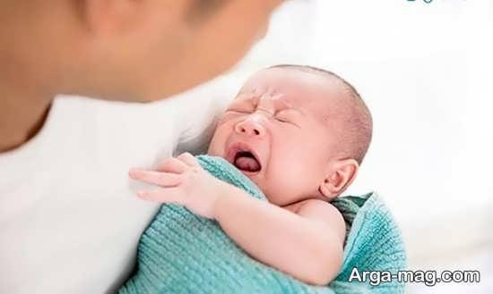 علل زور زدن نوزاد