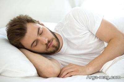 غلط زدن مداوم در خواب به علت استفاده از بالش نا مناسب می باشد.