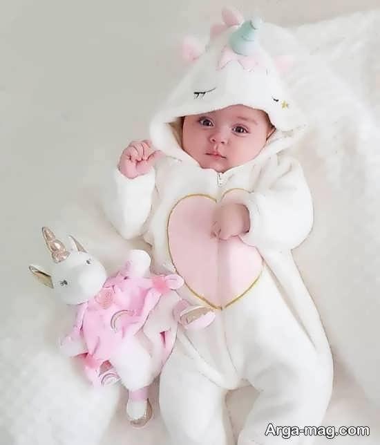 انواع الگوهای بینظیر و خارق العاده تزیینات ماهگرد نوزاد