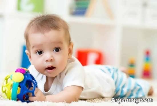مراحل تکامل حرکات دست کودک