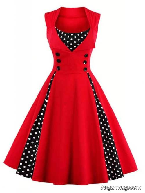 لباس قرمز دکمه دار
