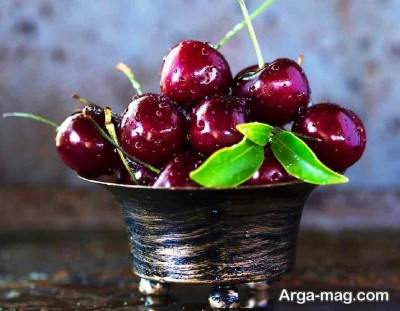 تزئین اسموتی با میوه های تازه