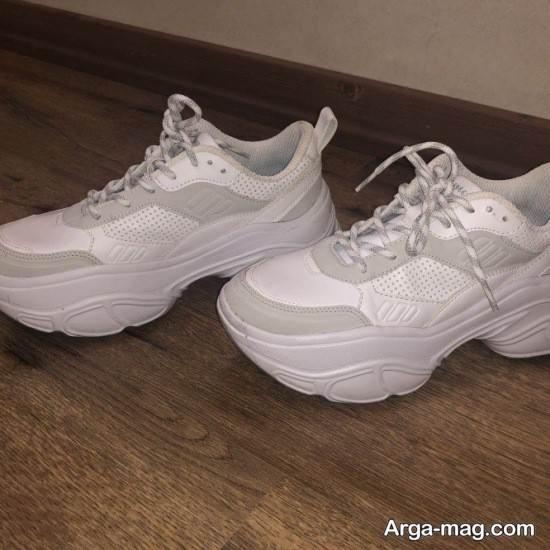انواع زیبا کفش سفید کتانی