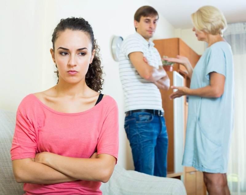 دخالت خانواده ها در زندگی