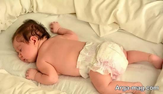 علت منع خواباندن کودک بر روی شکم