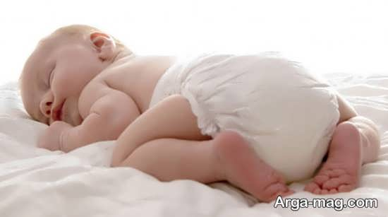 مزایای دمر قرار دادن کودک